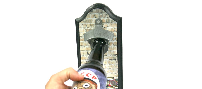 Abridor descorchador de cerveza con contenedor para las chapas - comprar online precio 18€ euros