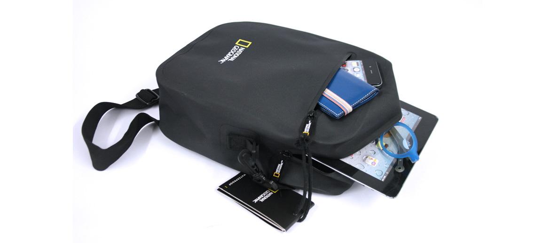 Bolso bandolera con tejido impermeable marca National Geographic - comprar online precio 55€ euros