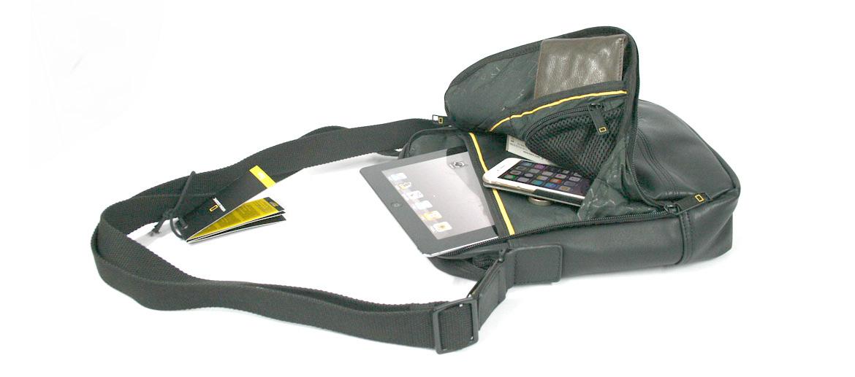Bolso bandolera de polipiel marca National Geographic - comprar online 50€ euros