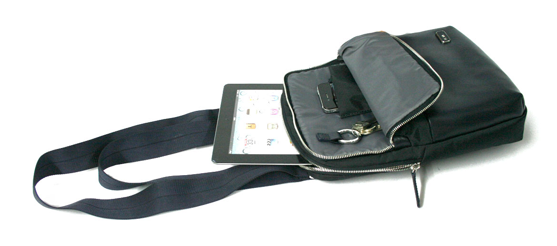 Bolso bandolera para Ipad de piel y nylón azul marca Nava - comprar online precio 85€ euros