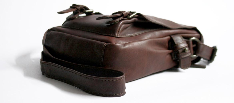 Bolso bandolera con solapa de piel marrón - comprar online precio 98€ euros