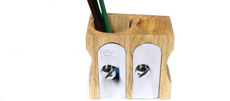 Bote lápices lapicero forma sacapuntas doble - Comprar online Precio 36€ euros