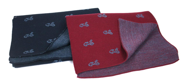 Bufanda foulard de punto con motivo de moto Vespa - comprar online precio 36€ euros