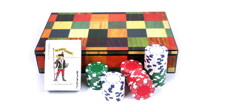 Caja de juegos decorativa con baraja y fichas - comprar online precio 50€ euros