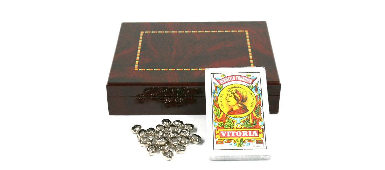 Caja de madera lacada con el juego de mus - comprar online precio 35€ euros