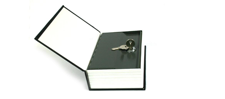 Caja fuerte pequeña camuflada en un libro náutico - comprar online precio 22€ euros