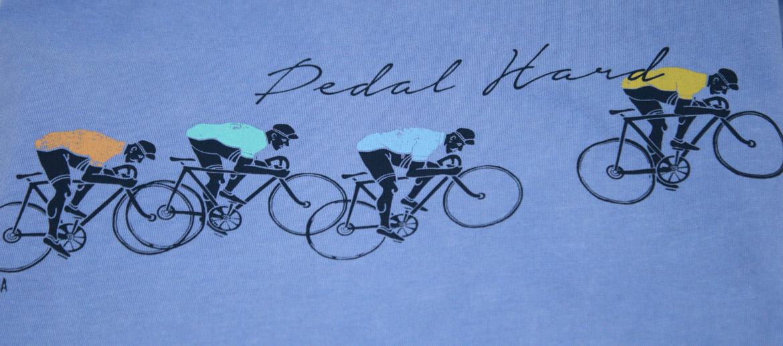 Camiseta con dibujo de ciclistas para los aficionados a ese deporte - comprar online precio 25€ euros