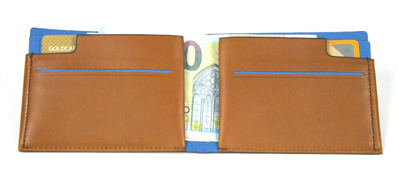 Cartera billetero tarjetero de piel color beige Marca Piquadro - comprar online precio 95€ euros
