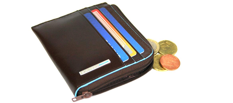 Cartera tarjetero monedero con cremallera marrón marca Piquadro - comprar online 67€ euros
