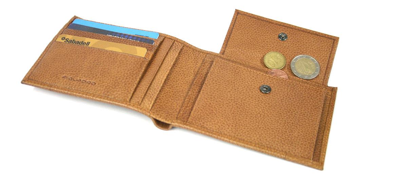 Cartera billetero tarjetero monedero de piel marca Piquadro - comprar online precio 85€ euros