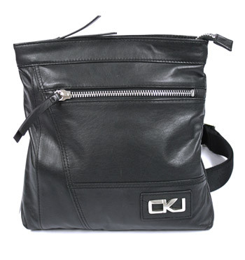 Bolso bandolera de piel color negro marca Calvin Klein - comprar online precio 110€ euros