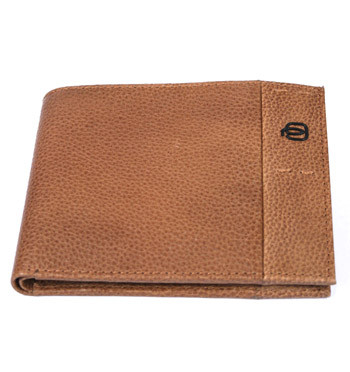 Cartera billetera tarjetero de piel beige para muchas tarjetas marca Piquadro -  comprar online precio 90€ euros