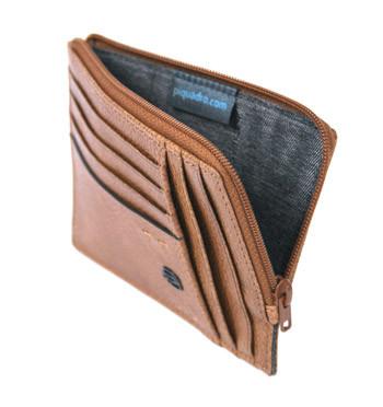 Cartera de cuero con tarjetero monedero y cremallera marca Piquadro - comprar online precio 65€ euros