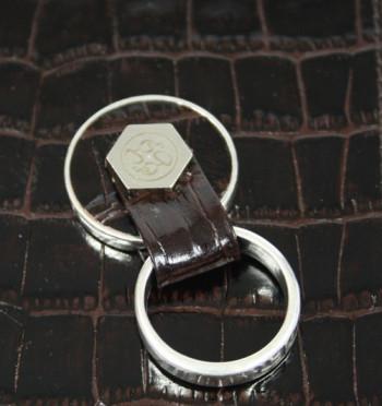 Funda para el iPhone 6 plus en piel con anilla de sujeción
