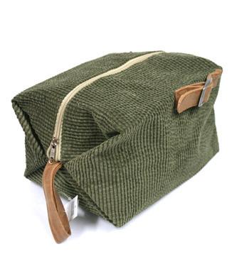 Neceser bolsa de aseo para viaje o gimnasio de pana verde - comprar online precio 20€ euros