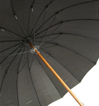 Paraguas a prueba de viento 16 varillas con puño de madera - comprar online precio 55€ euros