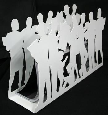 Revistero original en metal de siluetas de lectores comprar online