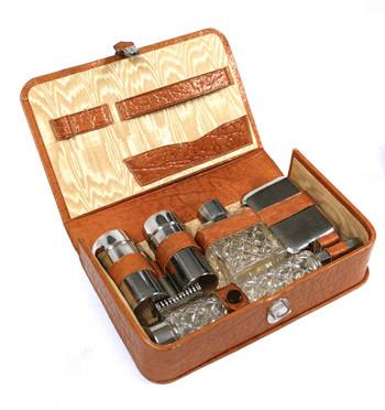 Set estuche de aseo con accesorios de afeitar - comprar online precio 75€ euros