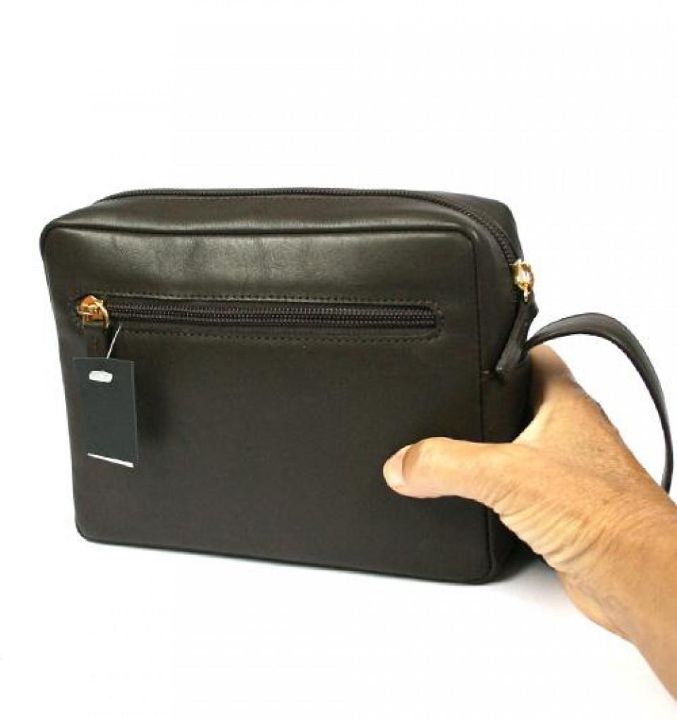 413ba37cae5 Bolso de mano hombre en piel negra o marrón con asa - Comprar online ...