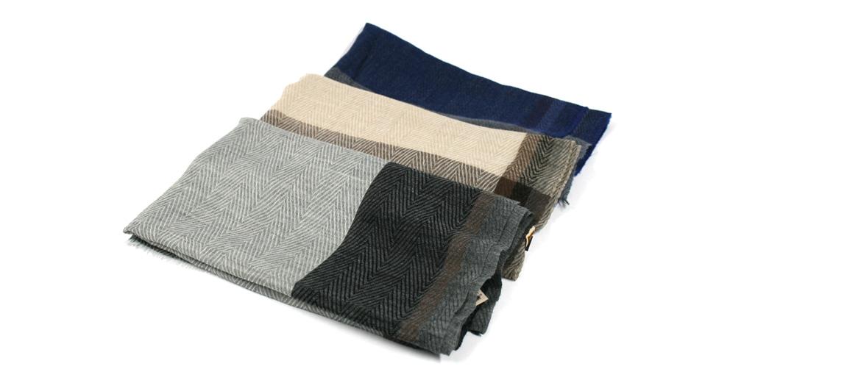 Foulard de lana fina con dibujo de espiga - comprar online precio 45€ euros
