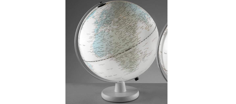 Globo terráqueo blanco de 30 cms de diámetro con luz - comprar online 120€ euros