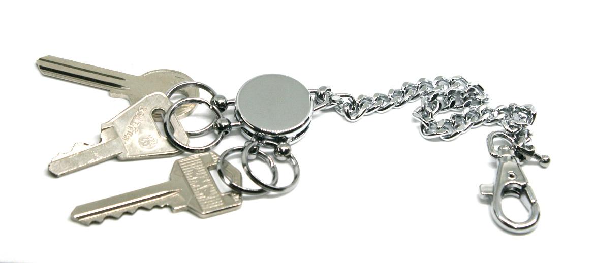 Llavero mosquetón con cadena larga para engancharlo en  la trebilla del pantalón - comprar online precio 22€ euros