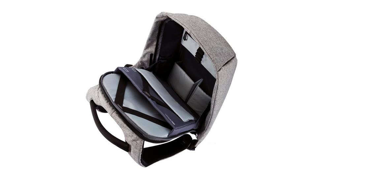 Mochila compacta y practica para trabajo tamaño grande marca DXdesign - comprar online precio 89€ euros