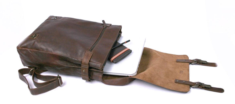Mochila de vestir con solapa informal de trabajo en piel - comprar online precio 182€ euros