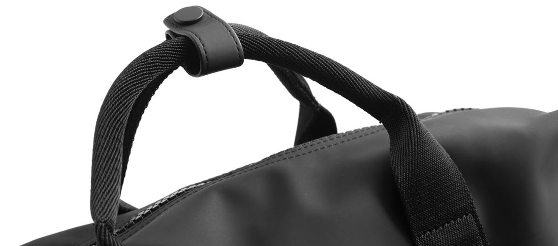 Mochila con compartimento extraible marca Nava Design - comprar online precio 120€ euros