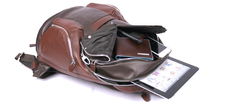 Mochila informal para portátil marca Piquadro - comprar online precio 328€ euros