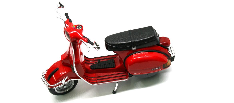 Moto Vespa decorativa réplica año 1978 color rojo - comprar online precio 20€ euros