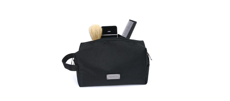 Neceser bolsa de aseo color negro marca Pertegaz - comprar online precio 55€ euros
