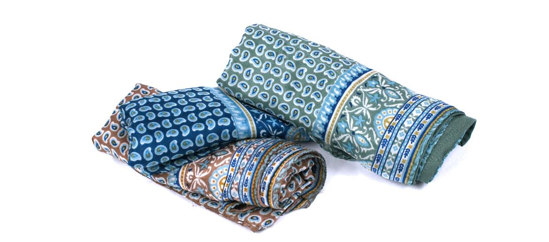 Pañuelo foulard de seda y viscosa doble cara con dibujo pequeño - comprar online precio 39€ euros