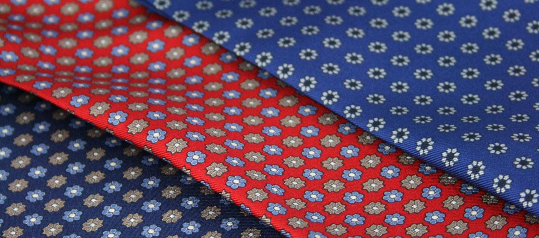 Pañuelo tipo Corbanda de seda natural dibujo pequeño - comprar online precio 47€ euros