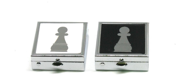 Pastillero de metal con motivo de Peón de ajedrez - comprar online precio 12€ euros