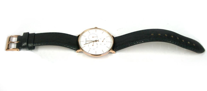 Reloj de pulsera dorado con correa de piel negra marca Adexe - comprar online precio 135€ euros