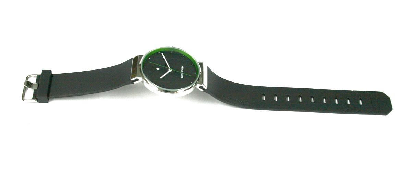 Reloj de pulsera esfera negra con detalle en verde marca Jacob Jensen - precio 230€ euros