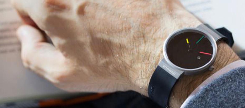 Reloj de pulsera esfera negra y tamaño pequeño marca Jacob Jensen - comprar online 230€ euros
