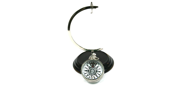 Reloj de sobremesa pequeño con peana replica antigua en metal plateado - comprar online precio 75€ euros