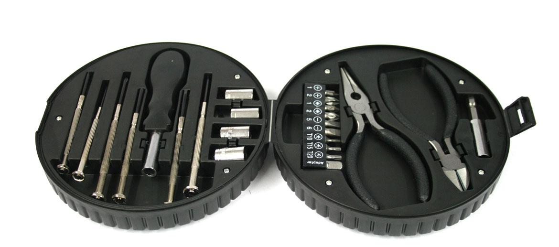Set de herramientas para coche marca Wolskwagen - comprar online precio 30€ euros