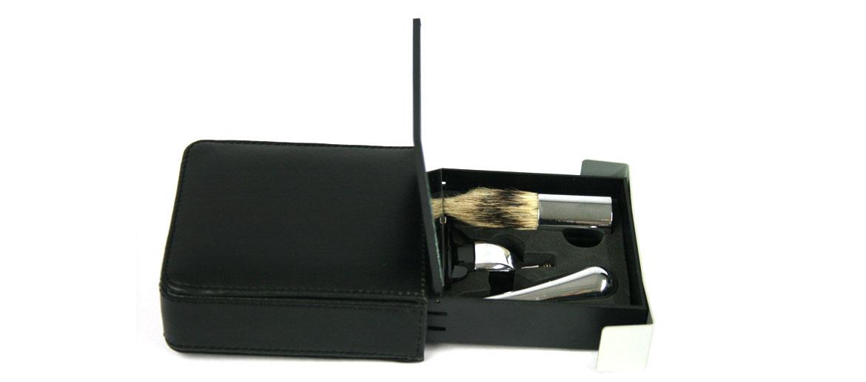 Set de afeitado de viaje con brocha y maquinilla - comprar online precio 32€ euros