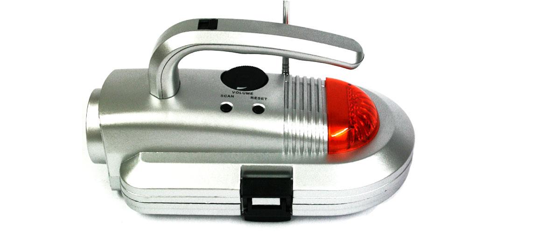Set de herramientas con radío y linterna - comprar online precio 29€ euros