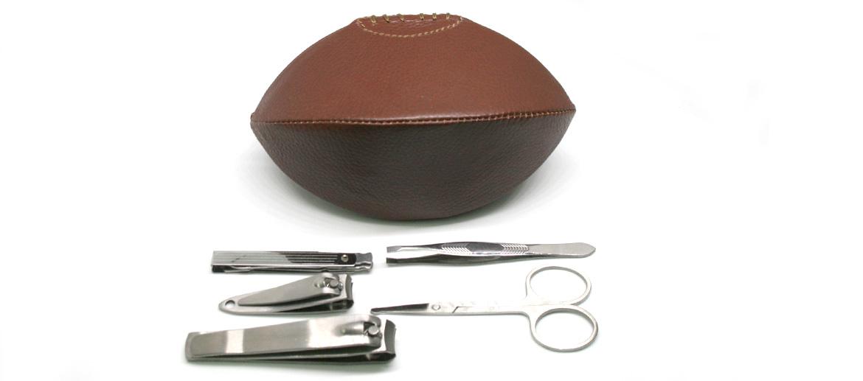 Set de manicura con forma de balón de rugby - comprar online precio 35€ euros