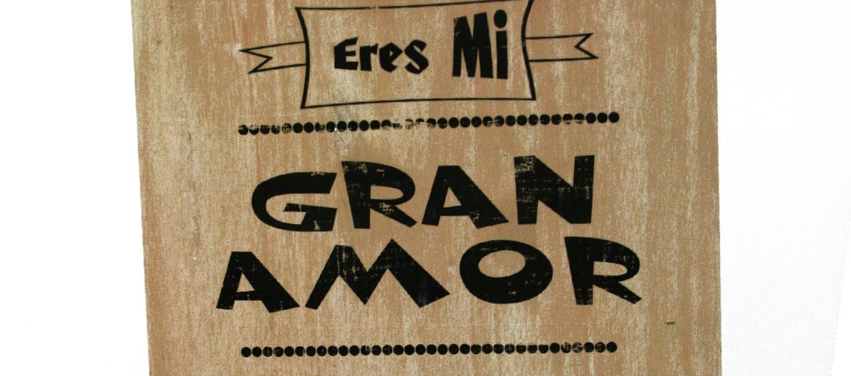 Tabla de madera para colgar o sobremesa  con frase amorosa - comprar online precio 52€ euros