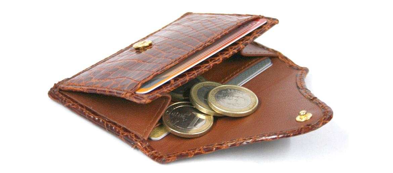 Tarjetero para tarjetas de visita o crédito y monedero de autentica piel de cocodrilo color coñac - comprar online precio 190€ euros