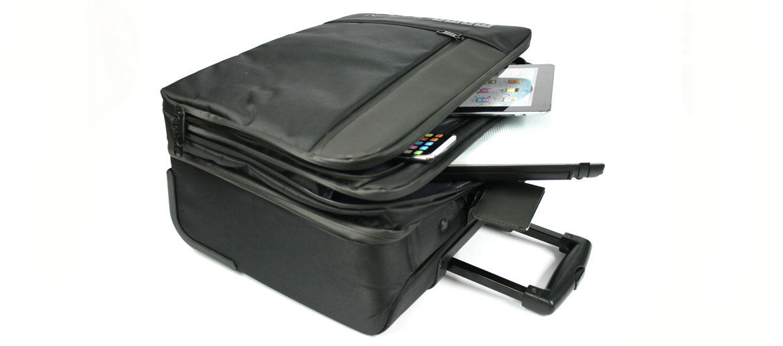 Trolley de cabina para trabajo y viaje negro marca Momo design - comprar online precio 192€ euros