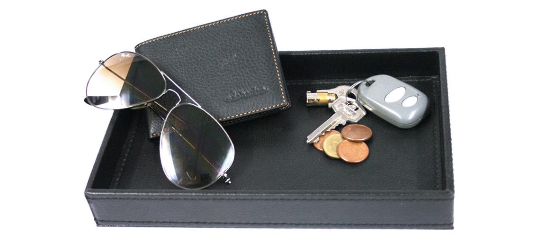 Vacía-bolsillos rectangular de polipiel color negro - comprar online 22€ euros