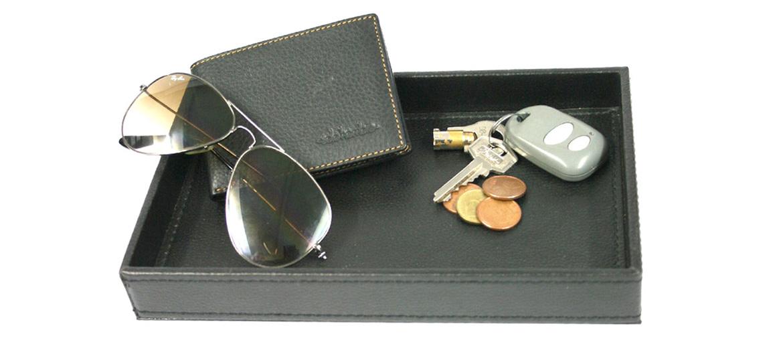 Vacía-bolsillos rectangular de polipiel color negro - comprar online 20€ euros