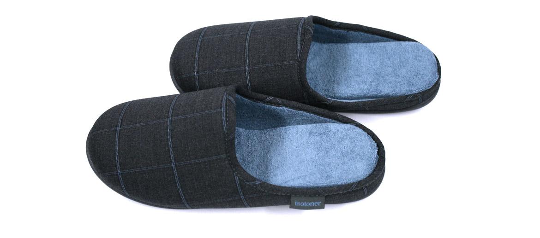 Zapatillas ¡comodisimas! de estar por casa destalonadas grises con dibujo de cuadros azul - comprar online precio 32€ euros