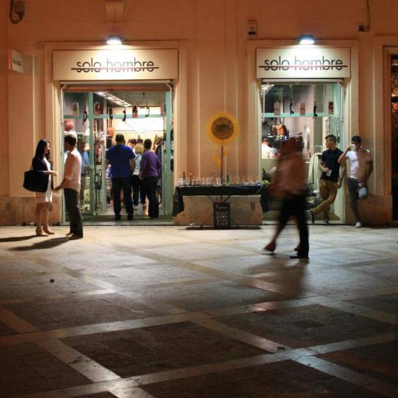 Nuestra tienda en la Plaza del Patriarca, Valencia